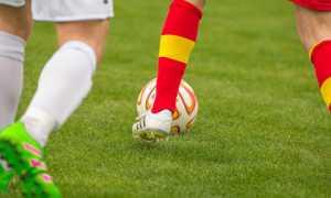 calcio palla gambe